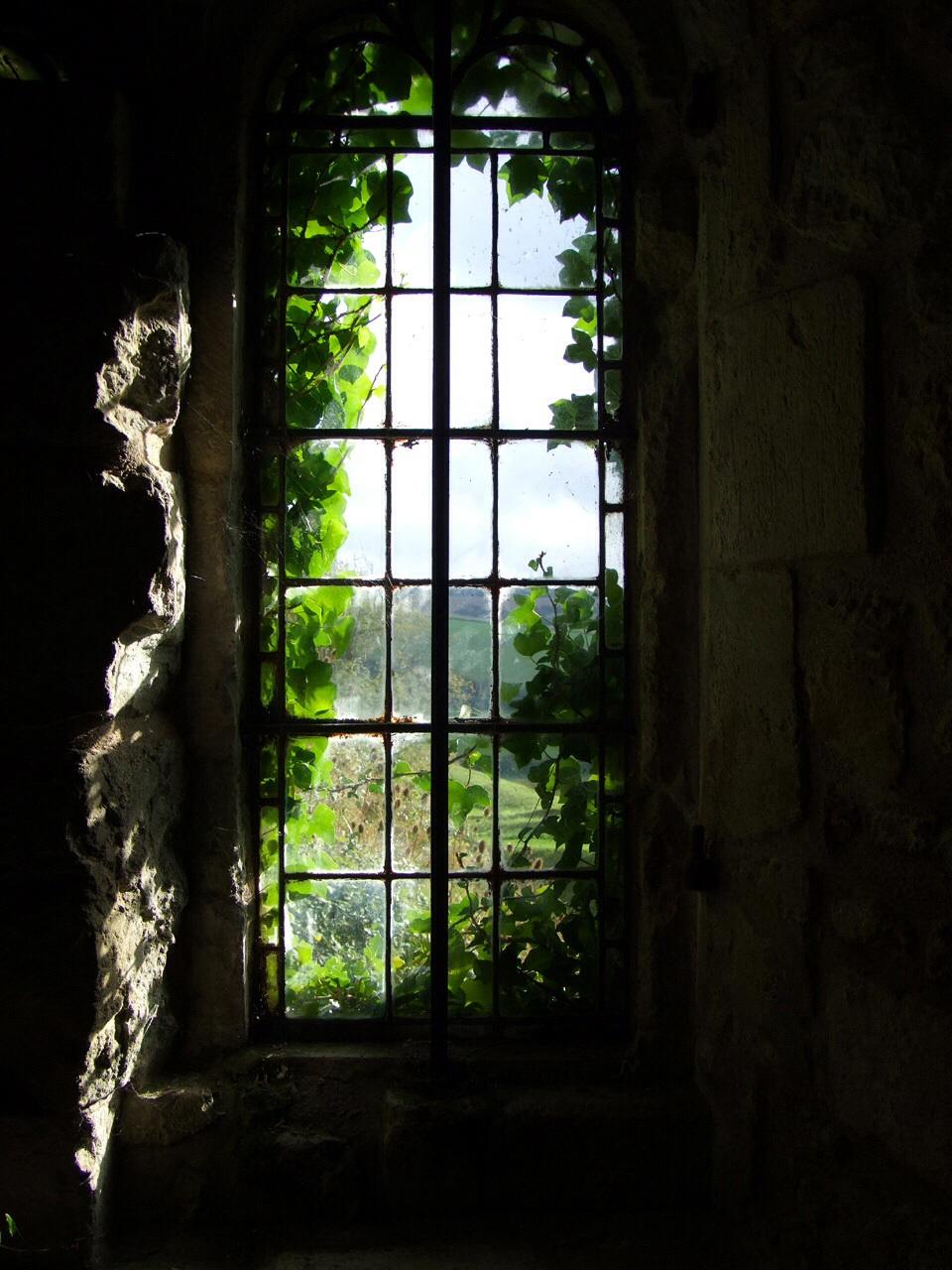 door knocking sound in dream 3